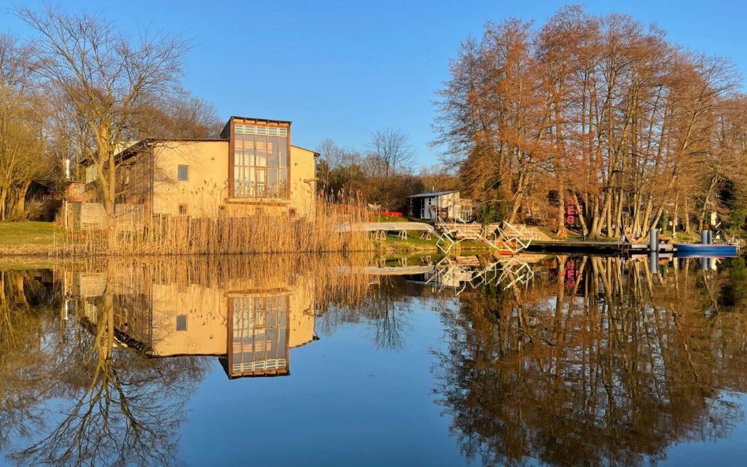 Frühlingsbeginn am Kunstort Lehnin..